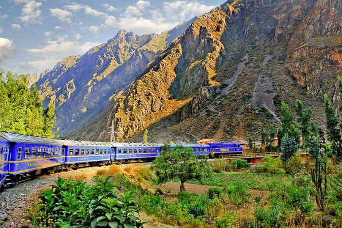 viajar en tren a Machu Picchu desde Cusco