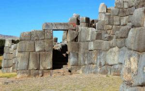 caracteristicas de la fortaleza sacsayhuaman