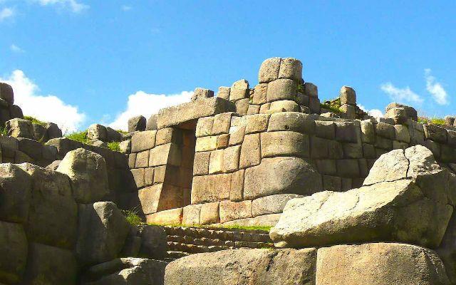 historia de la fortaleza sacsayhuaman