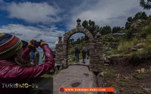 turismo en taquile puno