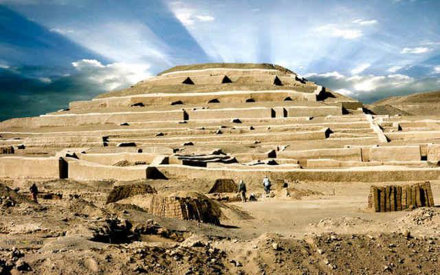 el gran templo de cahuachi