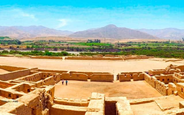 como llegar a las ruinas de tambo colorado pisco perú