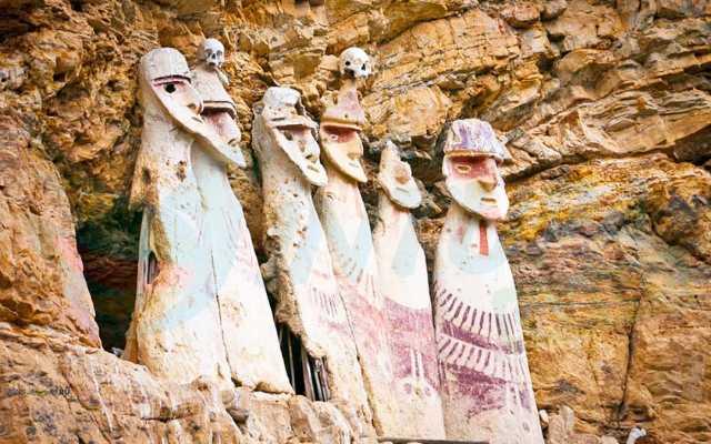 sarcofagos de karajia como llegar desde chachapoyas