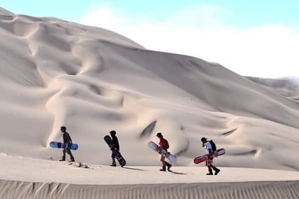 el sandboard en la duna mas grande el peru